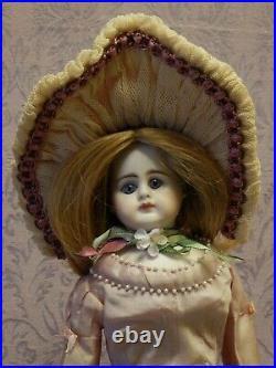 13 1/2 French Fashion Turned Shoulder Head Doll 409/r