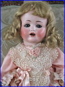 Max Handwerck Bébé Elite Antique Bisque Head German Doll 18